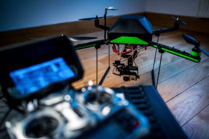 """VGTU lektorius: """"Retas oro uostas turi realiai veikiančias ir dronus blokuojančias sistemas"""""""
