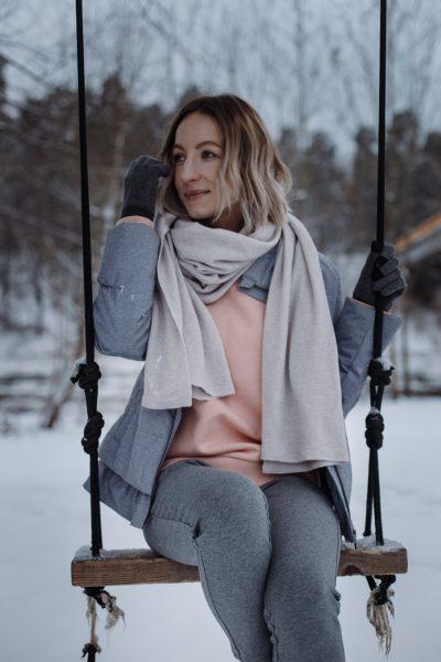Stilistas Joringis Šatas: per išpardavimus investuokite į kokybę ir klasiką + J. Šato stiliaus deriniai