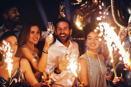 Naujųjų metų sutikimo tradicijos, kuriomis prisišauksite pinigus