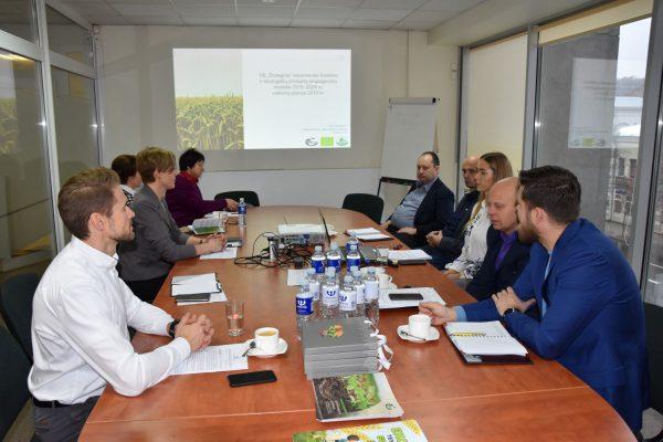 Kuriama tarpinstitucinė darbo grupė šviesti visuomenę apie ekologiškus produktus