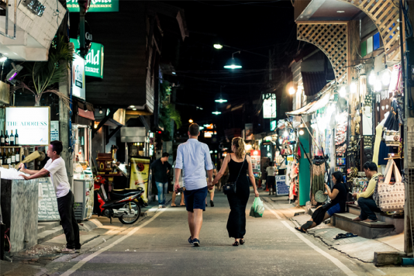 Patarimai keliaujančioms poroms: kaip romantiškų atostogų neapkartinti nesutarimais?
