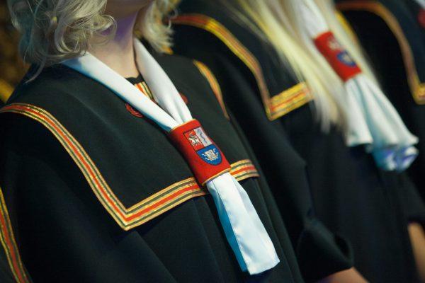 Naujiesiems sveikatos ir gyvybės mokslų specialistams – LSMU diplomai