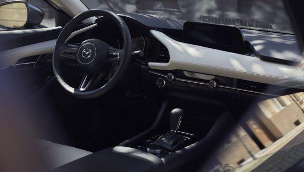 """""""Inchcape Motors"""" komanda jungiasi prie """"Moterų ralio2019"""". Naujoji """"Mazda3"""" tampa ralio automobiliu"""