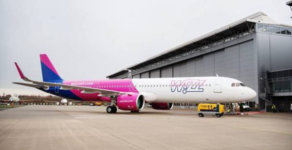 """""""Wizz Air"""" orlaivių parką papildė pirmasis iš 256 užsakymų """"A321neo"""" modelis"""