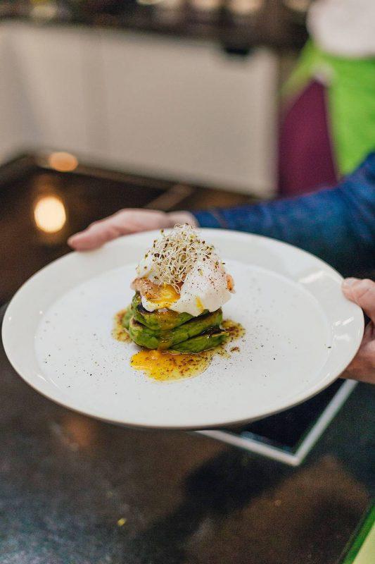 Šių metų blynų tendencijos: netikėti žymių moterų receptai Užgavėnių stalui