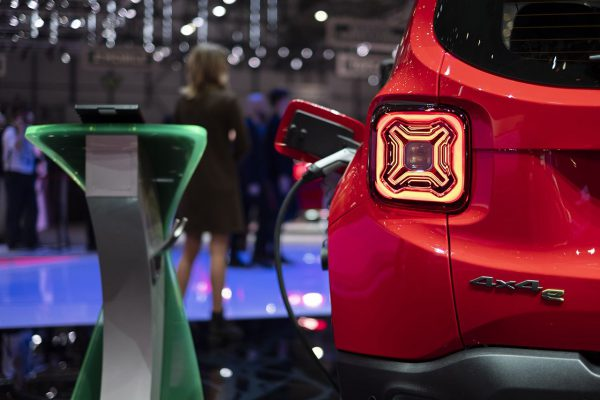 """Elektrinės naujienos iš FCA stovyklos: visiškai naujas """"Alfa Romeo Tonale"""", """"Fiat"""" elektromobilio koncepcija, """"Jeep"""" hibridai"""