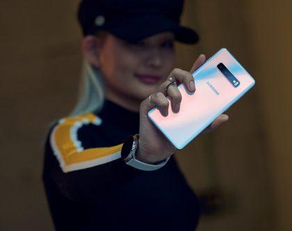 """Kodėl """"Galaxy S10"""" galima vadinti vienu galingiausiu šių dienų telefonu?"""