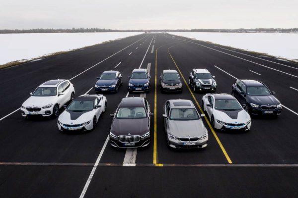 BMW elektrifikacija įgavo pagreitį – rinkoje jau 12 modelių