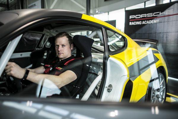 """Naujam sezonui besiruošiančios """"Porsche Baltic"""" komandos plane – ir pasirodymas 12 val. lenktynėse Čekijos Brno trasoje"""