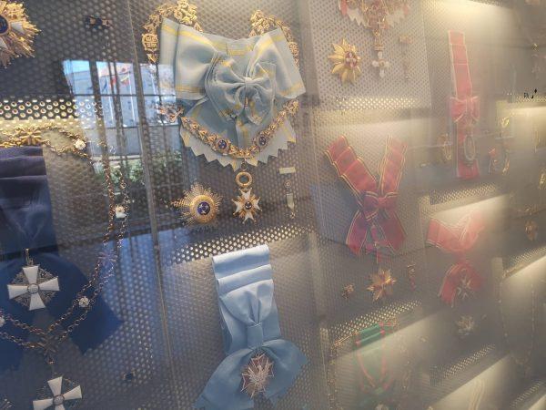 Valstybės pažinimo centre – nauja užsienio šalių aukščiausių valstybinių apdovanojimų paroda