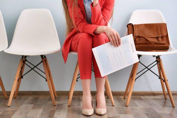 Žiūrint į savo CV apima liūdesys? Specialistė pataria, kaip patraukliai save pateikti darbdaviui, net ir neturint darbo