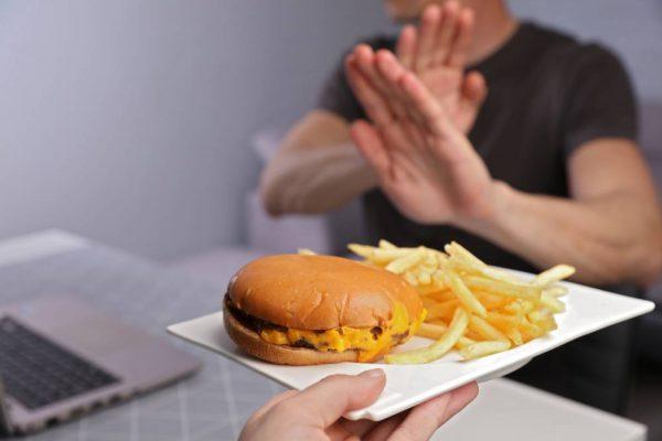 Tyrimas: beveik visi lietuviai kasdien valgo produktus, didinančius cholesterolio kiekį