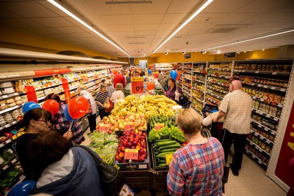 """Klaipėdoje atsinaujino """"Maxima"""" parduotuvė – siūlys didesnį prekių pasirinkimą"""