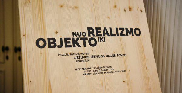 """Briuselyje atidaryta lietuvių išeivijos menininkų paroda """"Nuo realizmo iki objekto"""""""