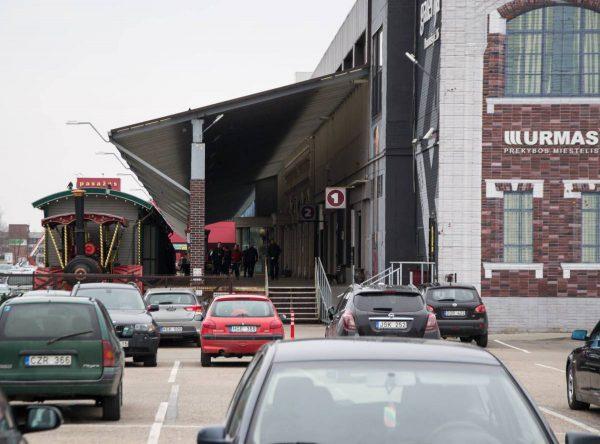 Didžiausias Kauno regiono prekybos kompleksas renkasi nedirbti ir per Motinos dieną