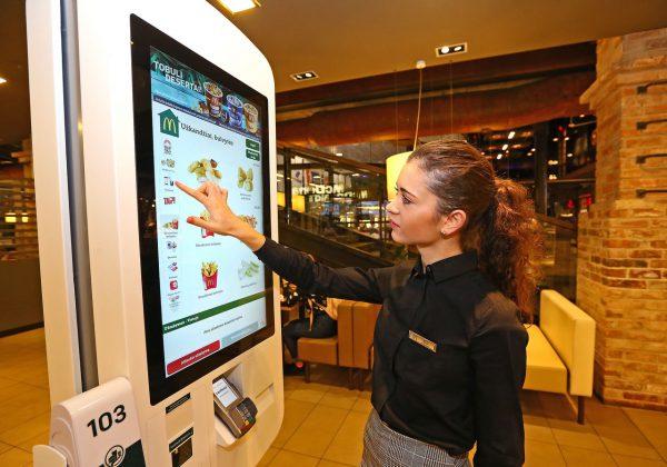 """Licencijuota """"McDonald's"""" plėtotoja """"Premier Capital"""" 2018 m. uždirbo 23 mln. eurų ikimokestinio pelno"""