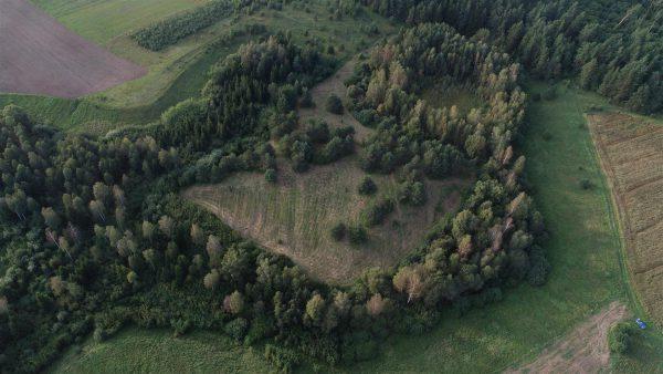 Bedugnės kapinynas – ir vėl archeologų dėmesio centre