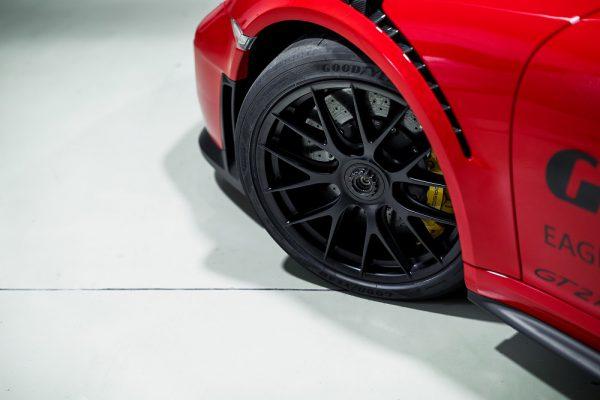 """Goodyear"" gamins padangas ""Porsche 911"" modeliams"