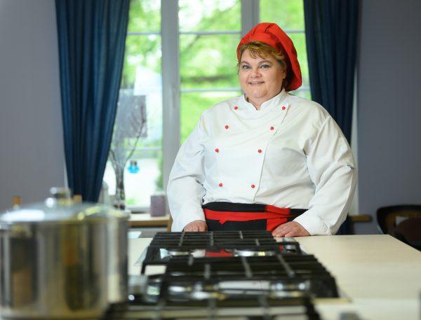 Tarptautinė barbekiu diena: grilinimo tradicijos pasaulyje – nuo duobėje kepamo jaučio iki desertų gaminimo kepsninėje