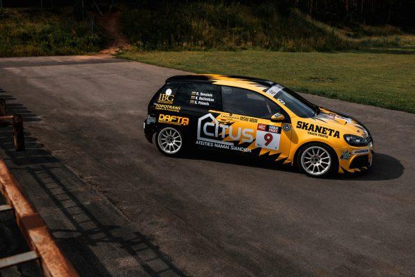 """Dvi """"Citus"""" komandos: 1006 km prakaito, greičio ir laisvės"""