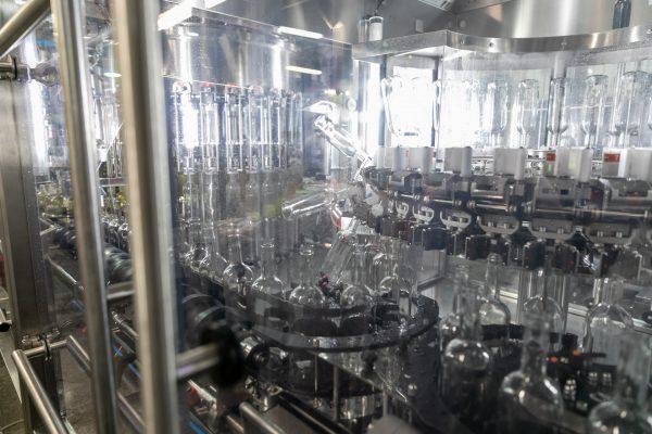 """""""Anykščių vyno"""" gamykloje įrengta daugiau nei pusę milijono eurų kainavusi nauja gamybos linija"""