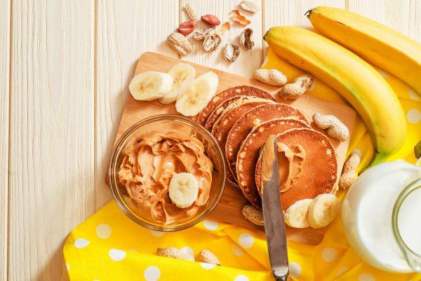 Lietuvoje itin populiarėja riešutų sviestas: puikiai tinka tiek pusryčiams, tiek maistingam užkandžiui