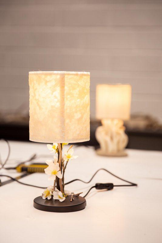 Sostinės senjorai domisi 3D technologijomis: dirbtuvėse pagaminti šviestuvai papuoš jų namus