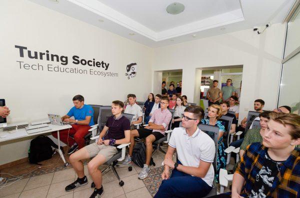 Prezidentą kavos kviečiantys kaimynai nusiteikę kartu keisti švietimą