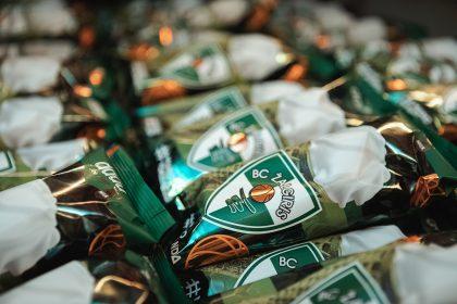 """Desertas """"Žalgirio"""" sirgaliams Lietuvoje ir užsienyje – prekyboje pasirodė žaliai-balti ledai"""