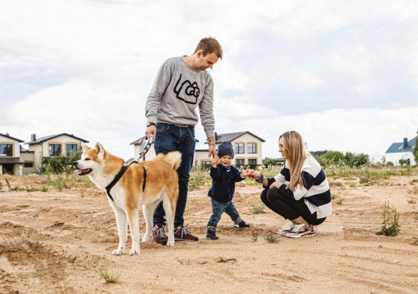Erdvus butas ar kompaktiškas namas: ką renkasi jaunos šeimos?