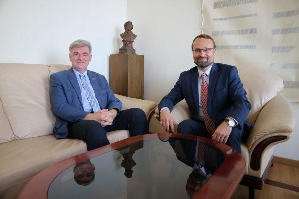 Kultūros ministro susitikime su Kroatijos ambasadoriumi – dėmesys šios šalies pirmininkavimui ES Tarybai