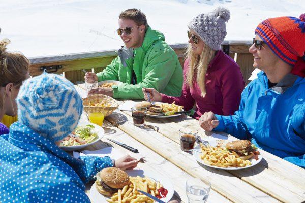 Artėja slidinėjimo sezonas: į ką atsižvelgti, ruošiantis šeimos atostogoms kalnuose?