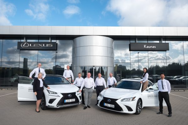 """""""Lexus"""" automobilių salonų aptarnavimas pripažintas kokybiškiausiu"""