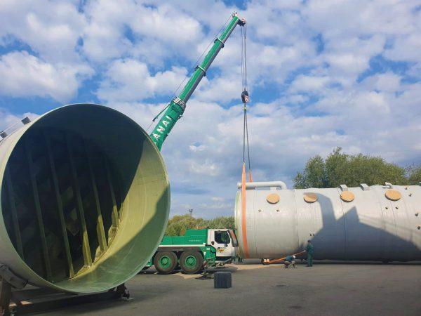 """Penktadienį Alytaus bendrovė """"Traidenis"""" pradės Kauno kogeneracinei jėgainei skirto įrenginio – kamino, dydžiu prilygstančio 12 aukštų namui, transportavimą. Vietomis bus ribojamas eismas."""