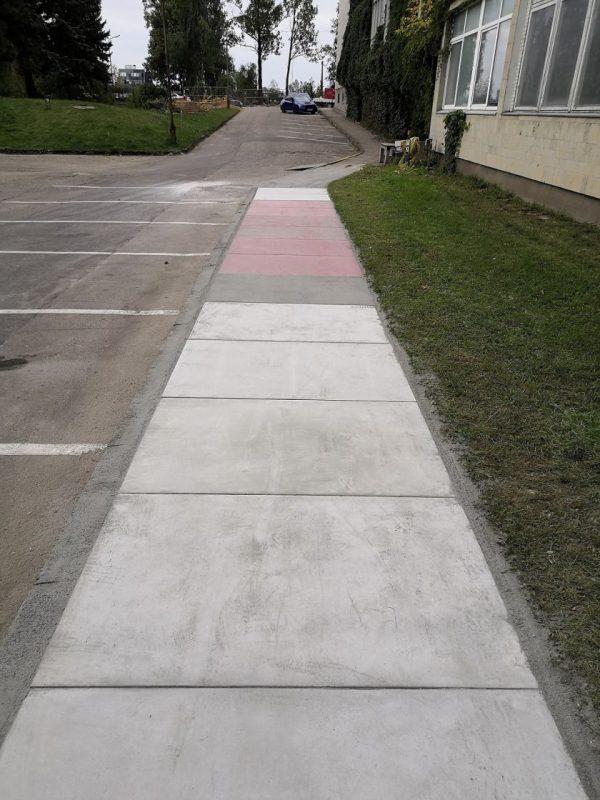 VGTU mokslininkai sukūrė inovatyvią betono modulių dangą pėsčiųjų takams