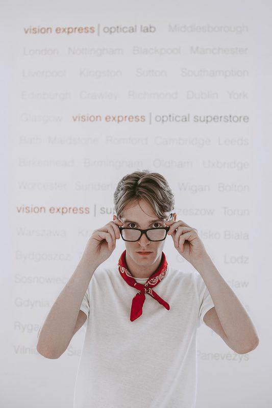 5 populiariausios rudens sezono akinių tendencijos pagal stilistą J. Šatą