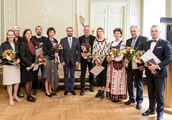 Įteikti tradiciniai Kultūros ministerijos apdovanojimai ir naujos premijos už tarptautinius pasiekimus