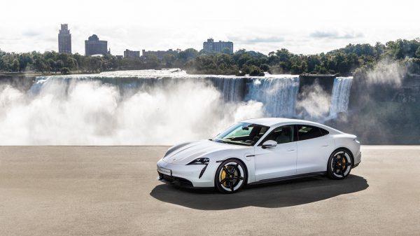 """Pasauliui pristatytas naujos eros pradininkas – """"Porsche Taycan"""""""