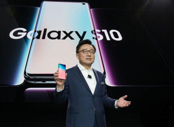 """""""Samsung Galaxy S10"""" apdovanotas už geriausias inovacijas ieškant """"Wi-Fi"""" sprendimų"""
