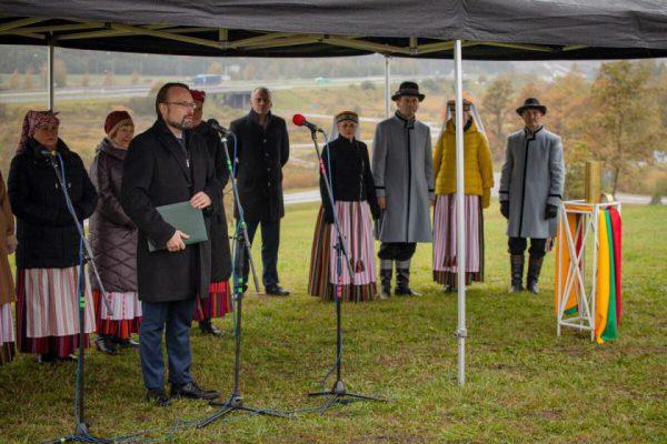 Įprasminta memorialo visiems Lietuvos partizanams statybos pradžia