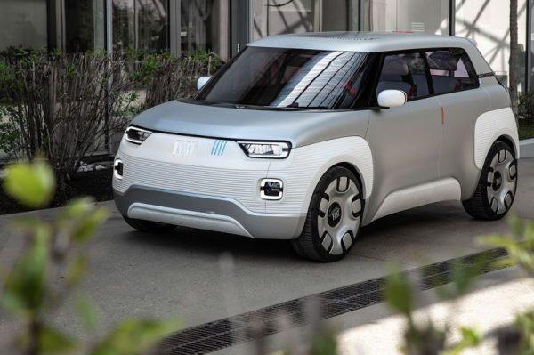 """Koncepciniam """"Fiat"""" elektromobiliui – prestižinis dizaino apdovanojimas"""