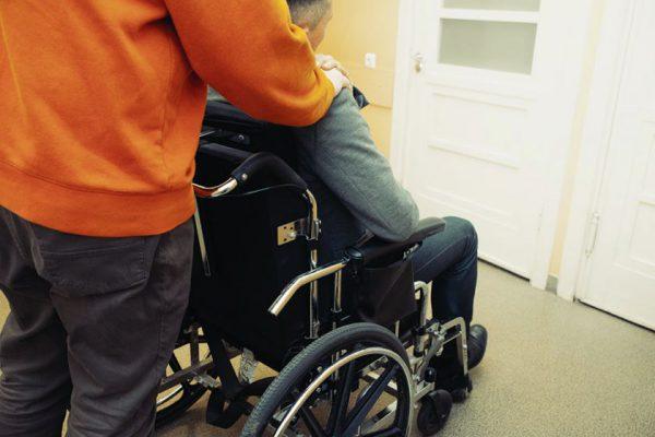 Nauja iniciatyva Kaune: asmeniniai asistentai neįgaliesiems