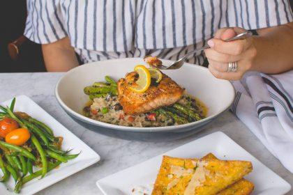 Renkamės žuvį šventiniam stalui: receptai, įveikiami ne tik kulinarams