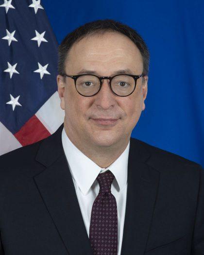 Į Lietuvą atvyko paskirtasis JAV ambasadorius Robertas S. Gilchristas