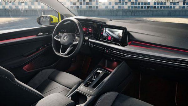 """Aštuntosios kartos """"Golf"""" netrukus pasieks Lietuvą: jau priimami inovatyviausio kompaktinio automobilio pasaulyje užsakymai"""