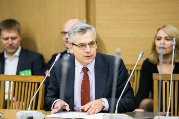 Seimo komisijos pirmininkas Virgilijus Poderys: prašome Vyriausybės pateikti savo vertinimą ir poziciją dėl galimybės inicijuoti Lietuvos išstojimo iš 1963 m. Vienos konvencijos procedūrą dėl civilinės atsakomybės už branduolinę žalą