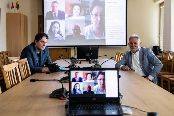 Seimo Socialinių reikalų ir darbo komitetas dalijosi koronaviruso (COVID-19) pasekmių įveikimo patirtimi su Armėnijos Nacionalinės Asamblėjos nariais