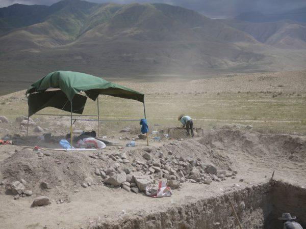 VU archeologai nustatė – Šilko kelią nutiesė bronzos amžiaus žemdirbiai, įsikūrę Centrinės Azijos aukštikalnėse prieš 4500 metų