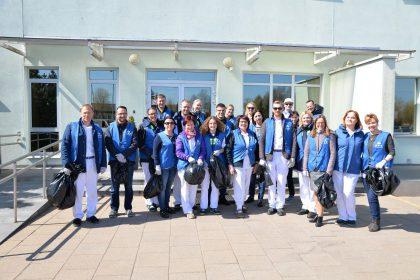 """""""Mars Lietuva"""" pakvietė darbuotojus pramogaujant gamtoje prisidėti prie jos švarinimo"""
