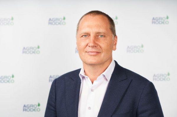 """""""Agrorodeo"""" į naują sezoną žengia atsinaujinę – modernų vizualinį sprendimą sukūrė pačių darbuotojų komanda"""